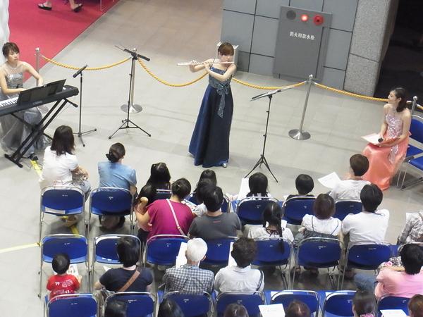 明石市立文化博物館でロビーコンサート(2013.7)